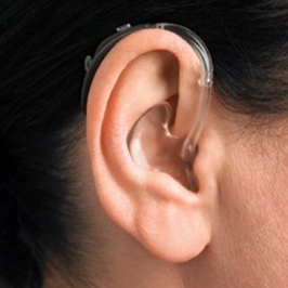 behind-the-ear-bte-hearing-aid-user